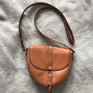 Stella & Dot Covet tan leather handbag